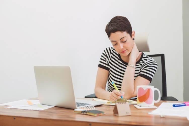 douleur cervicale et travail