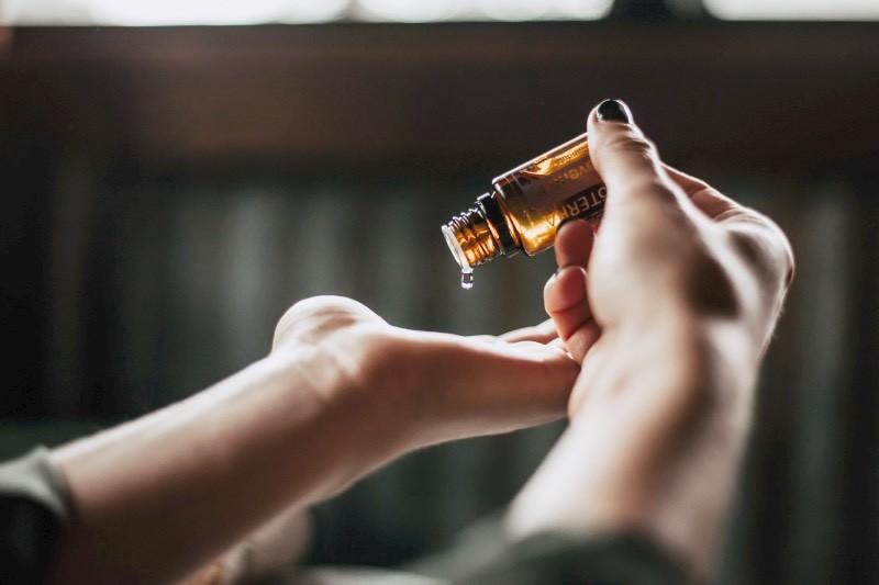 les huiles essentielles pour lutter contre l'inflammation