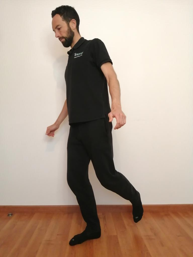 équilibre avec instabilité pour les genoux