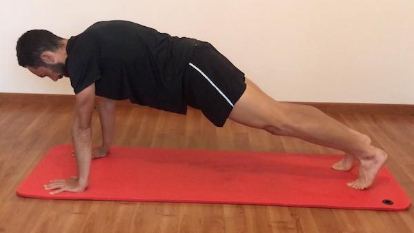 exercice de gainage planche bras tendus